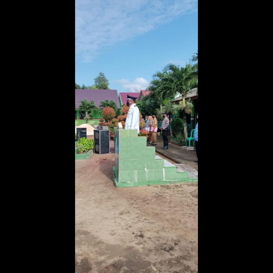 Dalam Rangka Memperingati HUT RI Ke-75 Desa Sidang Bandar Anom Lakukan Upacara Bendera